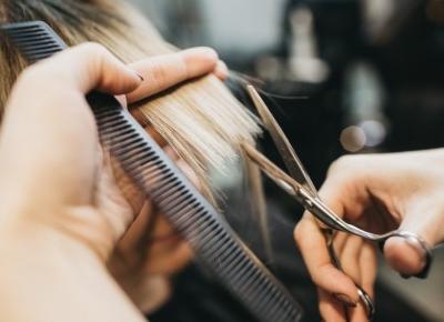 Poznaj przyczyny wypadających włosów!