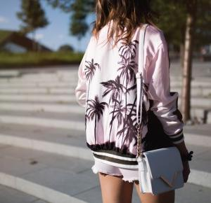 California dream        |         Definitely fashionable by Mona