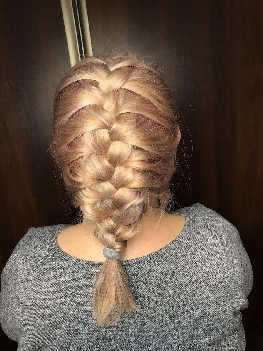 """denis on Instagram: """"Luźny warkocz oczywiście dobierany ❤️ A wy lubicie warkocze ??? 😆😂🤣 #warkocz #pinkhair #blondehair #hairart #hairfashion #newpost #newhair…"""""""