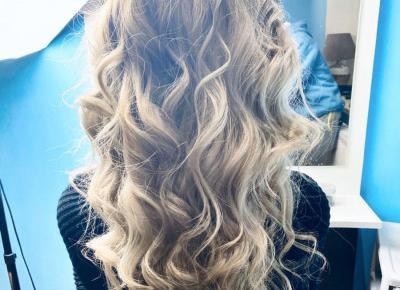 "denis on Instagram: "",,Błyski fleszy ścianki '' #blondhair #longhair #curlyhair #hairart #fashionhair #instamodel #myjob #ddobinsta #margaret #gajahornby"""