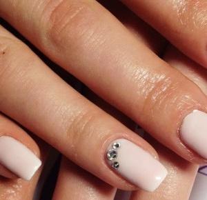 Propozycje manicure hybrydowego