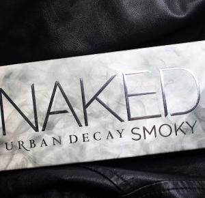 Kosmetyka profesjonalna, wizaż, testy kosmetyczne : Urban Decay Naked Smoky Eyeshadow Palette