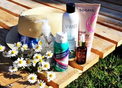 Wakacyjna kosmetyczka | Jakie kosmetyki pielęgnacyjne warto zabrać ze sobą na wakacje?