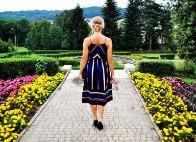 Elegancka sukienka w paski