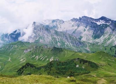 Dookola-swiata: Alpejskie szczyty - Droga do Vilan #1
