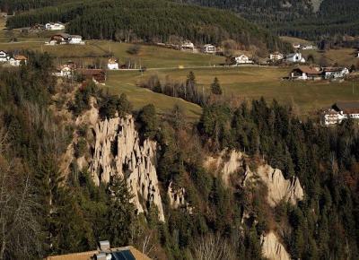 Dookola-swiata: Piramidy ziemne w Longomoso i symbol Południowego Tyrolu