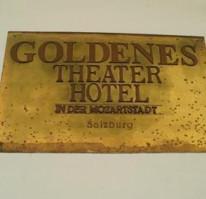 Dookola-swiata: Relacja z podróży - Hotel i Salzburg nocą