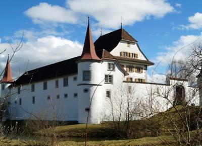 Dookola-swiata: Szwajcarskie zamki: Zamek Wyher