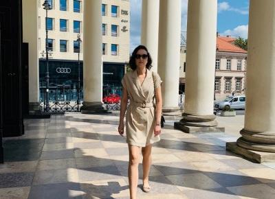 Sukienka z kołnierzem z klapami i paskiem | D&P Blog