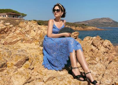 Niebieska sukienka - stylizacja prosto z gorącej Sardynii
