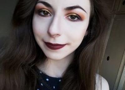 Spontaniczny makijaż - Dusty Red Place