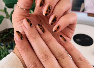 Trendy jesień 2019: Tortoiseshell Manicure, czyli modne paznokcie na nowy sezon