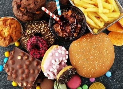 10 przepisów na domowy fast-food, które zastąpią McDonalda lub KFC.