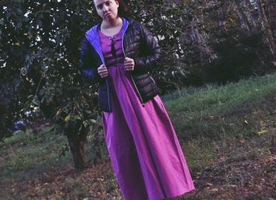 Różowa suknia wierzchnia . – EMI