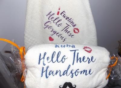 acne skin: My Gift DNA » Zestaw ręczników z haftem » Hello Gorgeous Handsome | medalik na chrzest