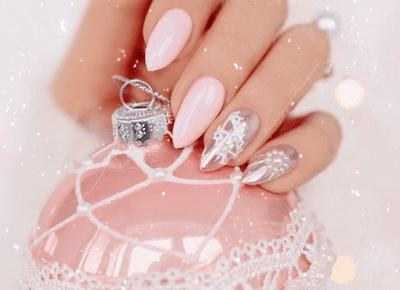 Najmodniejsze świąteczne wzory na paznokcie
