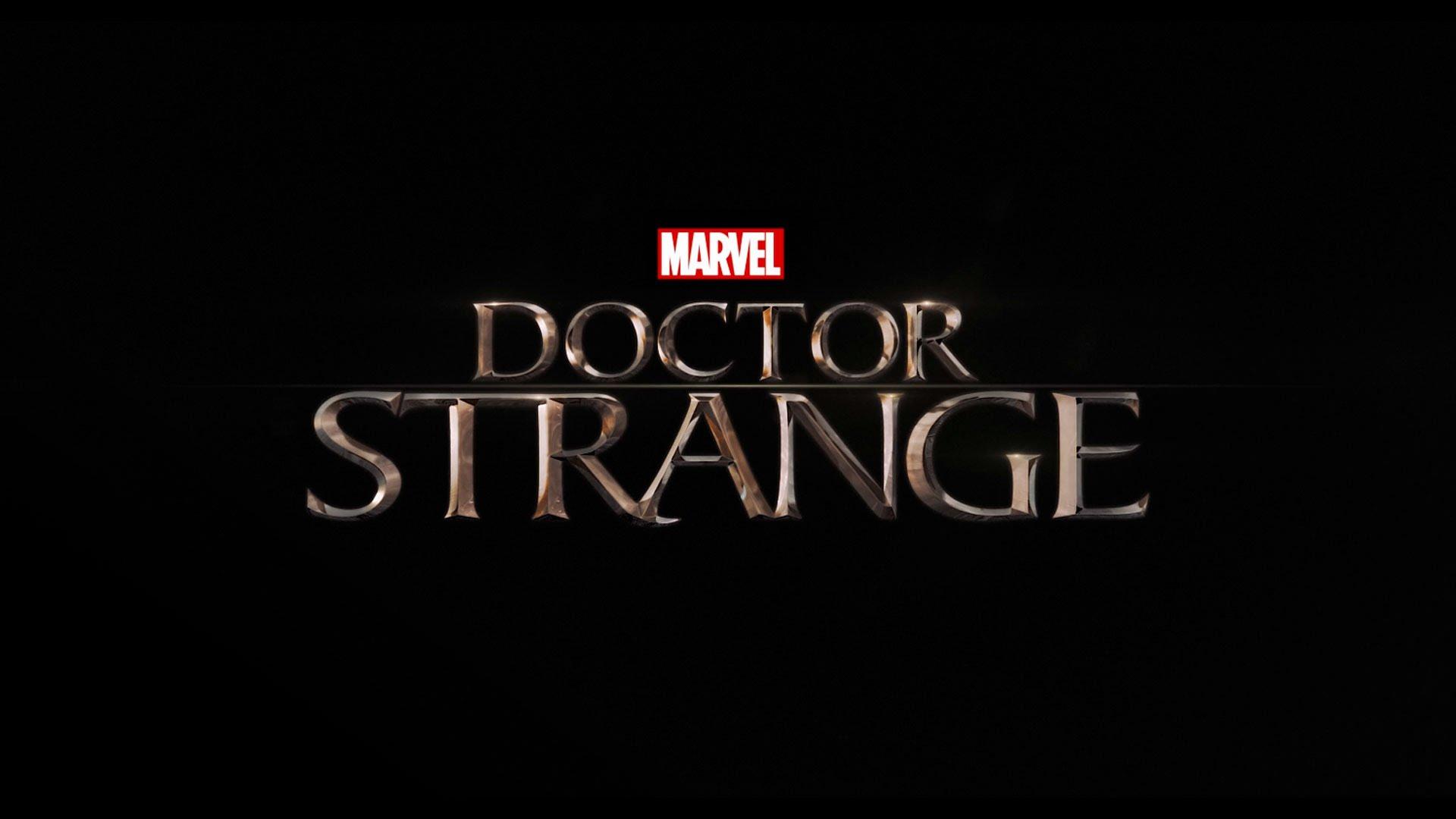 To Read Or Not To Read: Film  Historia pana Doktora Strange'a