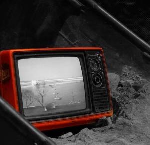 7 powodów, dlaczego oglądanie telewizji poważnie szkodzi Tobie i osobom w Twoim otoczeniu
