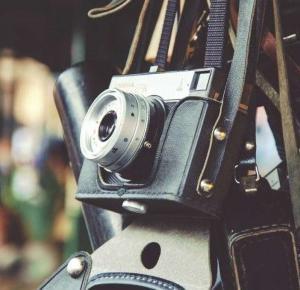 Jak smartfony zmieniły nasze podejście do zdjęć? | FacetNieidealny
