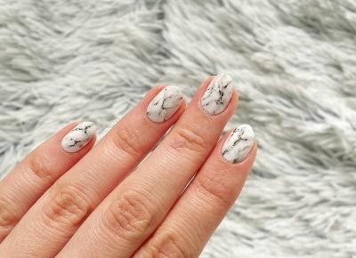 Marmurkowe paznokcie - white marble | 3 sposoby na marmurek