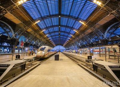 Dworzec kolejowy w Lipsku, największy taki w Europie. - Blog podróżniczy i fotograficzny - fotografwdrodze.pl