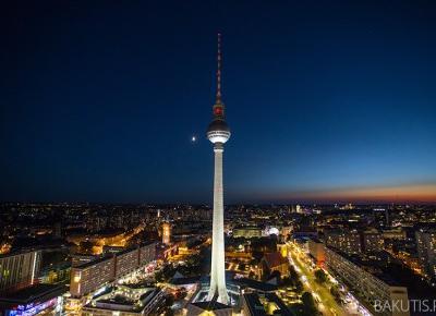 Wieża telewizyjna w Berlinie ma 50 lat - fotografwdrodze.pl