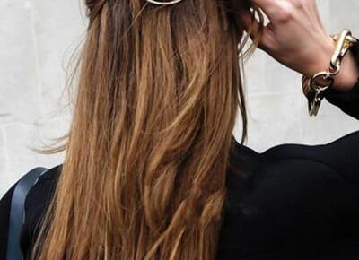 Najmodniejsze ozdoby do włosów | Modne fryzury w 2020 dla każdego