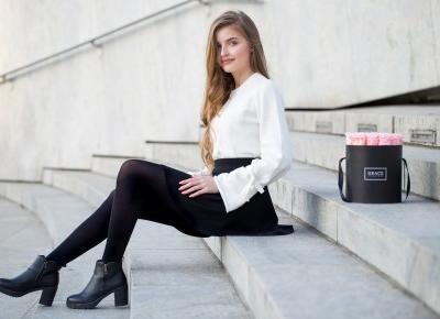www.hellofashion.pl  Blog lifestylowy, czyli blog o modzie, urodzie i życiu.: SWETER Z WIĄZANIEM NA RĘKAWACH, CZARNY PŁASZCZ, KLASYCZNA MINI I BOTKI NA OBCASIE. | KOBIECA STYLIZACJA NA JESIEŃ.