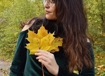 Aksamitna bluzka w jesiennej scenerii          |          Simply my life