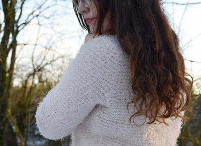 Pastelowa stylizacja na tle białej scenerii          |          Simply my life