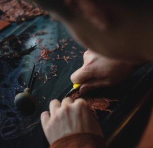 Artysta na miarę XXI wieku, kreatywność to cecha wspólna psychopatów.