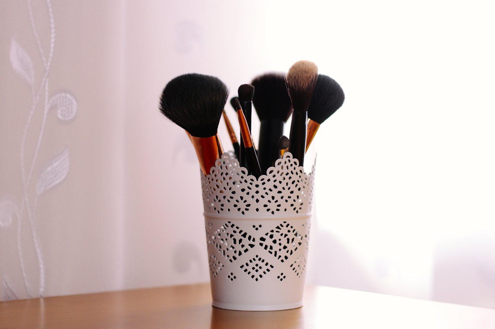 Jak dbać o pędzle do makijażu? - Ilona Kasprzycka | LIFESTYLE BLOG