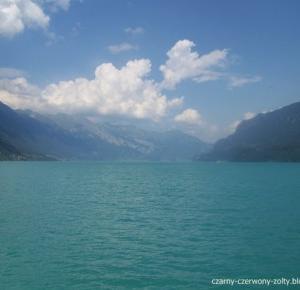 Szwajcaria: Takiego koloru wody nie spotkacie nigdzie indziej- rejs do Interlaken.