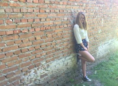 MADELINE | FASHION BEAUTY VLOGGER
