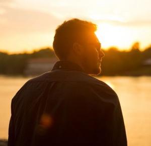 Paweł Trenuje: Jak być atrakcyjnym i pewnym siebie facetem? Sekretna wiedza!