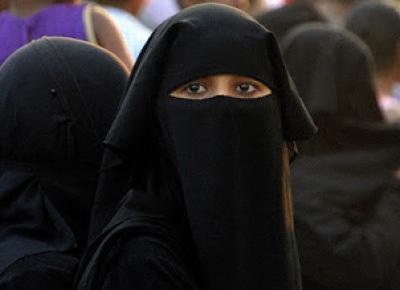 Paweł Trenuje: Kobiecość w burkach [LifeStyle]