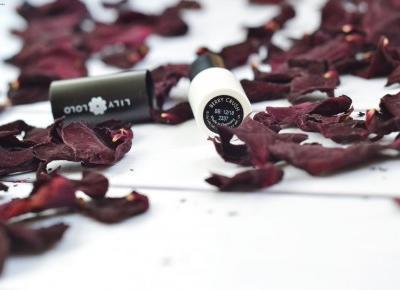 Berry Crush i Flawess Silk - Lily Lolo - Like a porcelain doll
