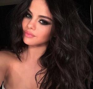 Fashion Izuś : Selena Gomez ona rządzi na Instagramie ^^