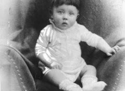 Witaj w moim świecie. : Zbrodniarz wojeny Adolf Hitler: młodość i początek kariery.