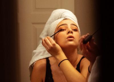 Kobieta zwolniona z pracy w Polsce za brak makijażu! W jakiej branży pracowała?