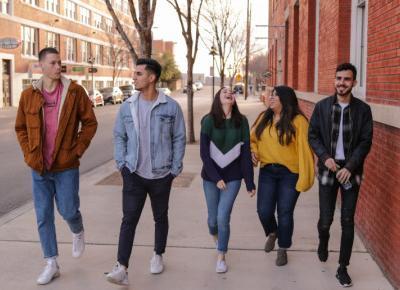 Młodzieżowe Słowo Roku 2020: anulowano plebiscyt. Co się stało?
