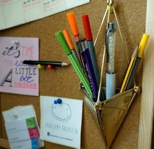 Geometryczny organizer DIY na długopisy | stacja DIY