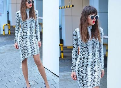 Jointy&Croissanty;: snake print dress