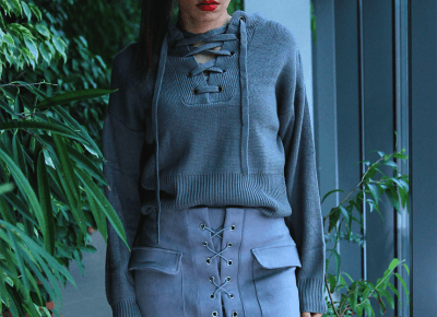 Jointy&Croissanty: lace up sweater