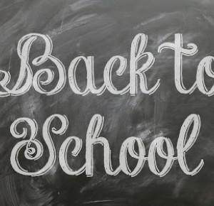 Trzmiela: Back to school: Plusy chodzenia do szkoły