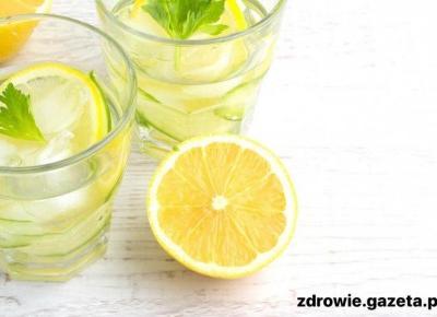 Zacznij pić wodę z cutryną a zobaczysz efekty.