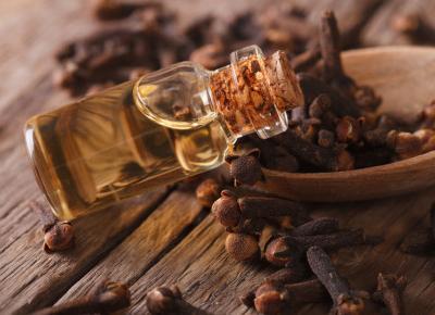 Trzy olejki eteryczne, których powinnaś używać jesienią.