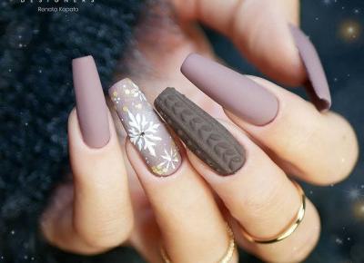 Inspiracje na zimowy manicure ❄️🦌