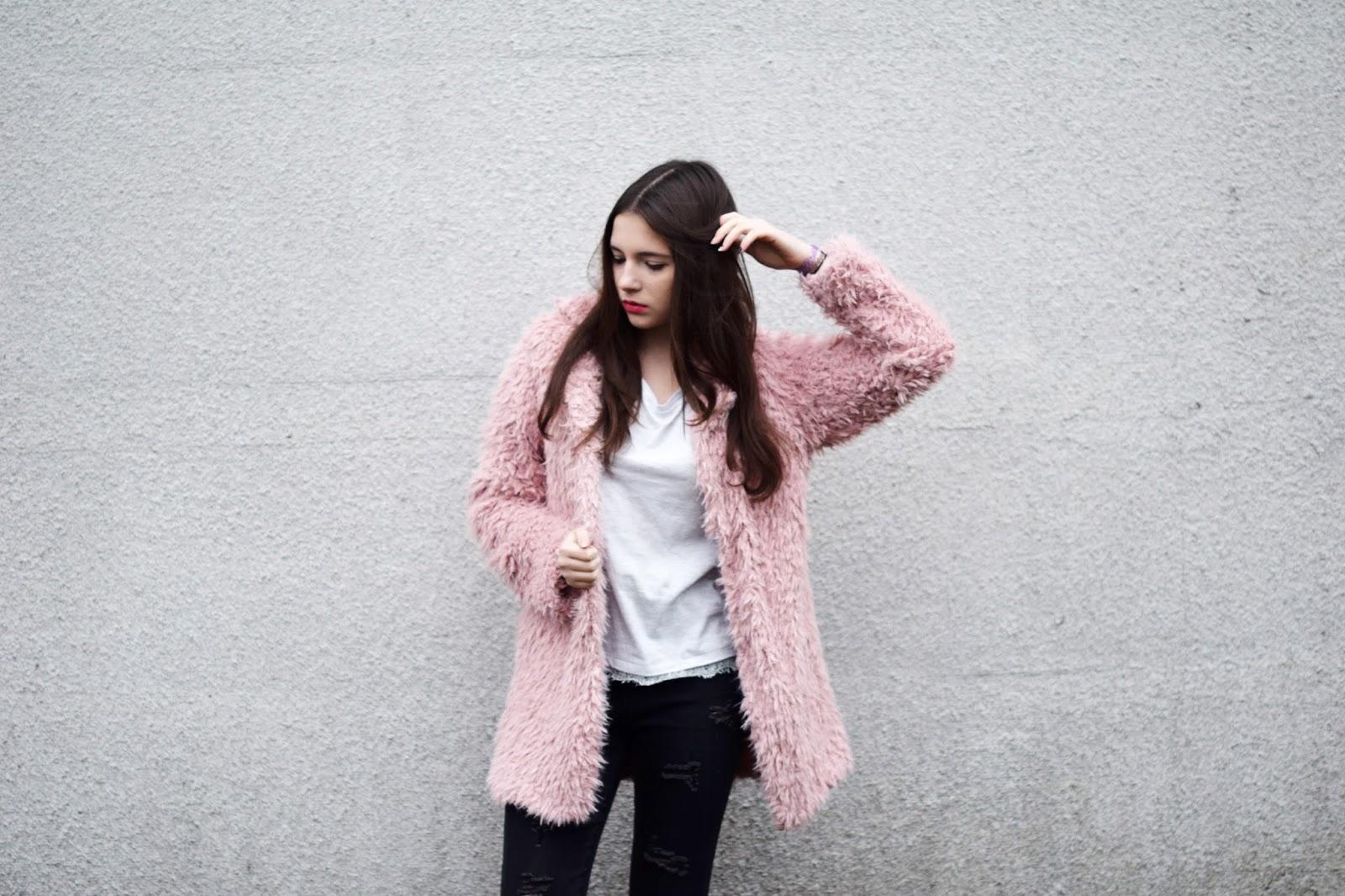Julita Sudrawska: Pink coat | MINI KONKURS!