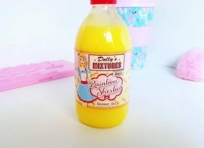 Żel pod prysznic od Dolly's Mixtures o zapachu tęczowego sorbetu.